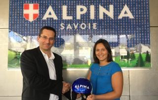 Remise du casque par le Directeur Général d'Alpina